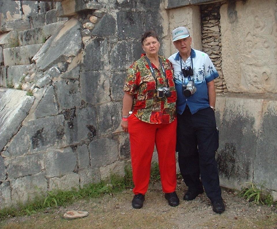 Don and Gay at Chitzen Itza - December 2002